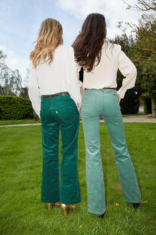 Pantalons - Flare Levi's en velours émeraude
