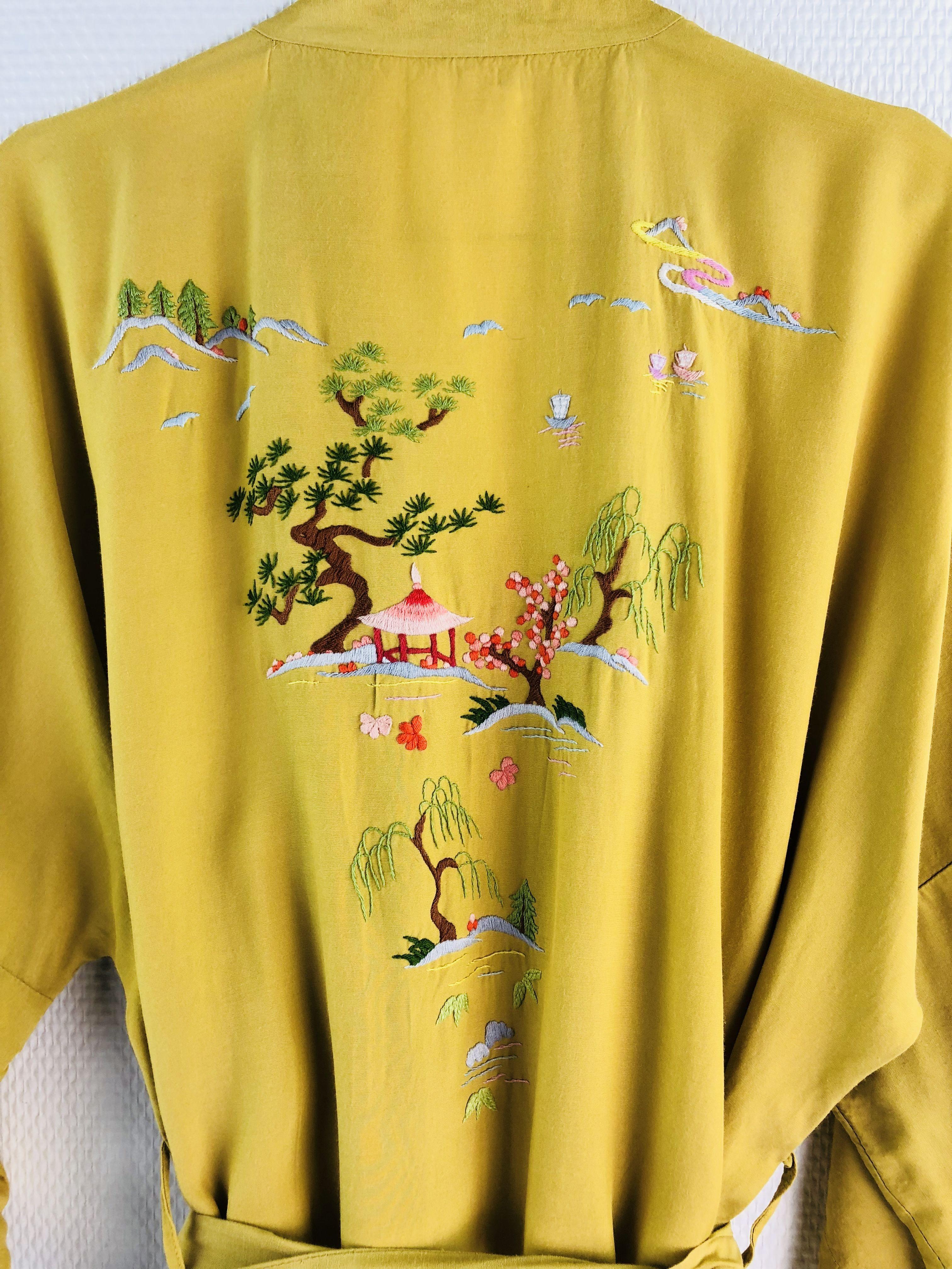 Robes - Kimono brodé