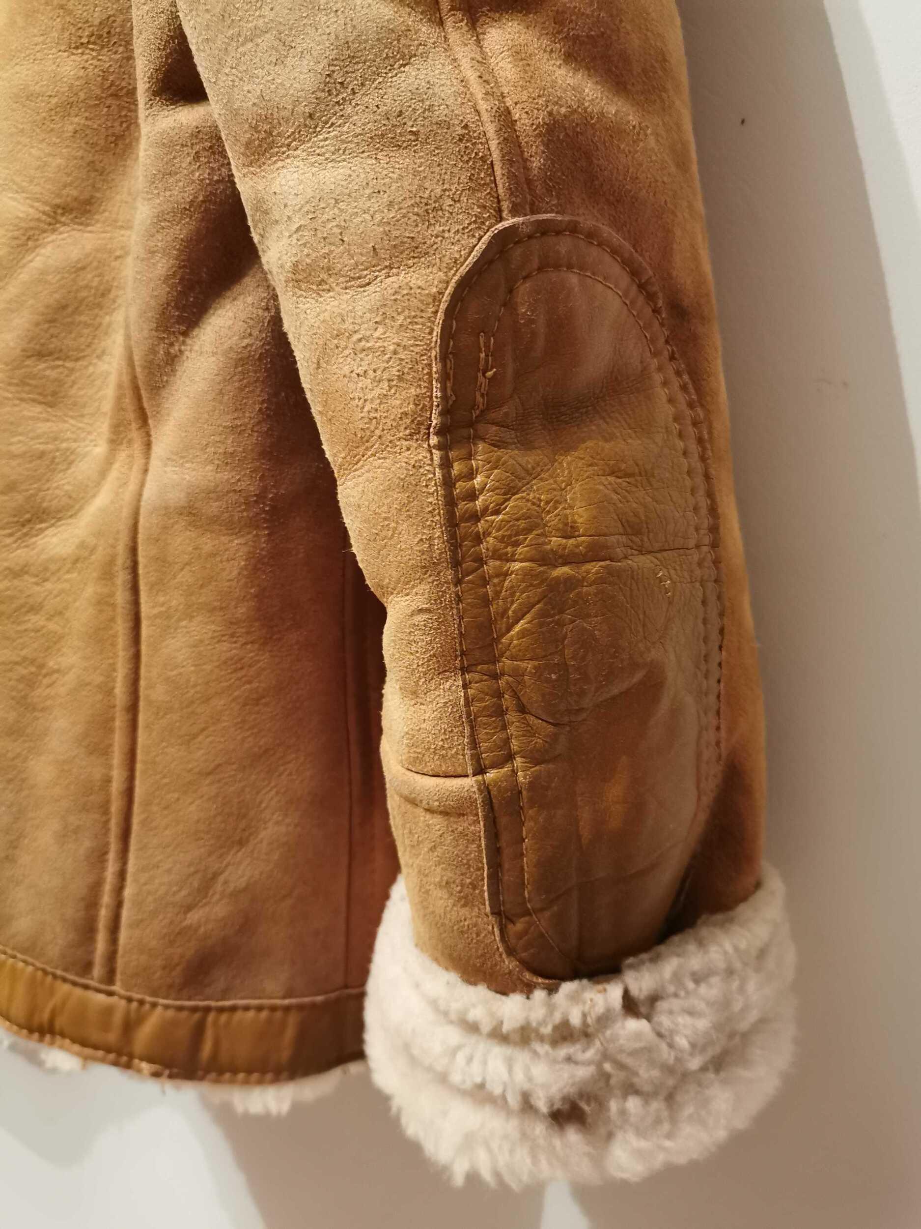 Bombardier en peau lainée