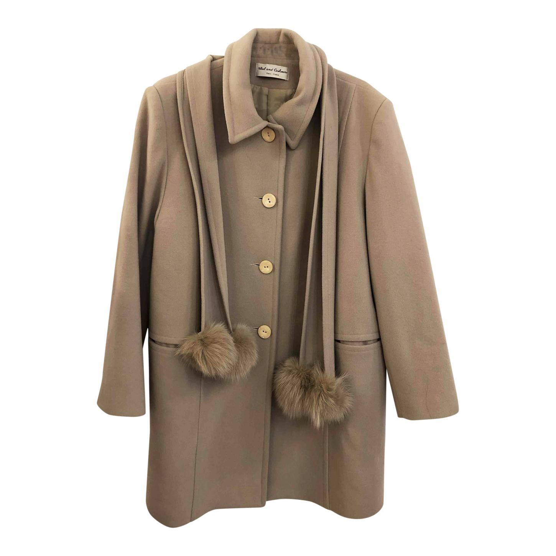 Manteau à écharpe