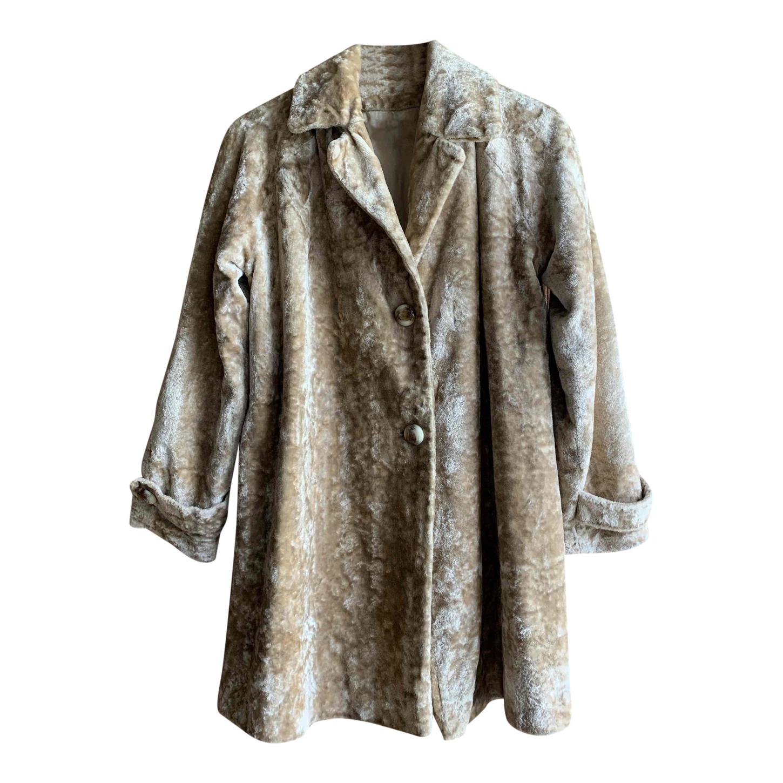 Manteau en velours moiré