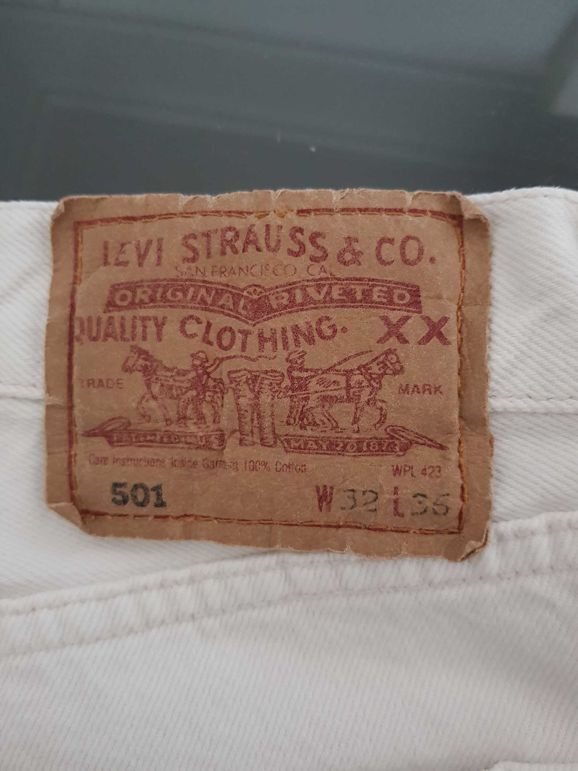 Jean Levi's 501 W32L36