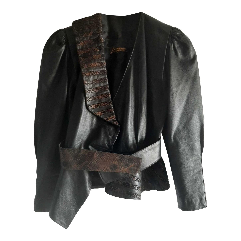 Veste en cuir asymétrique