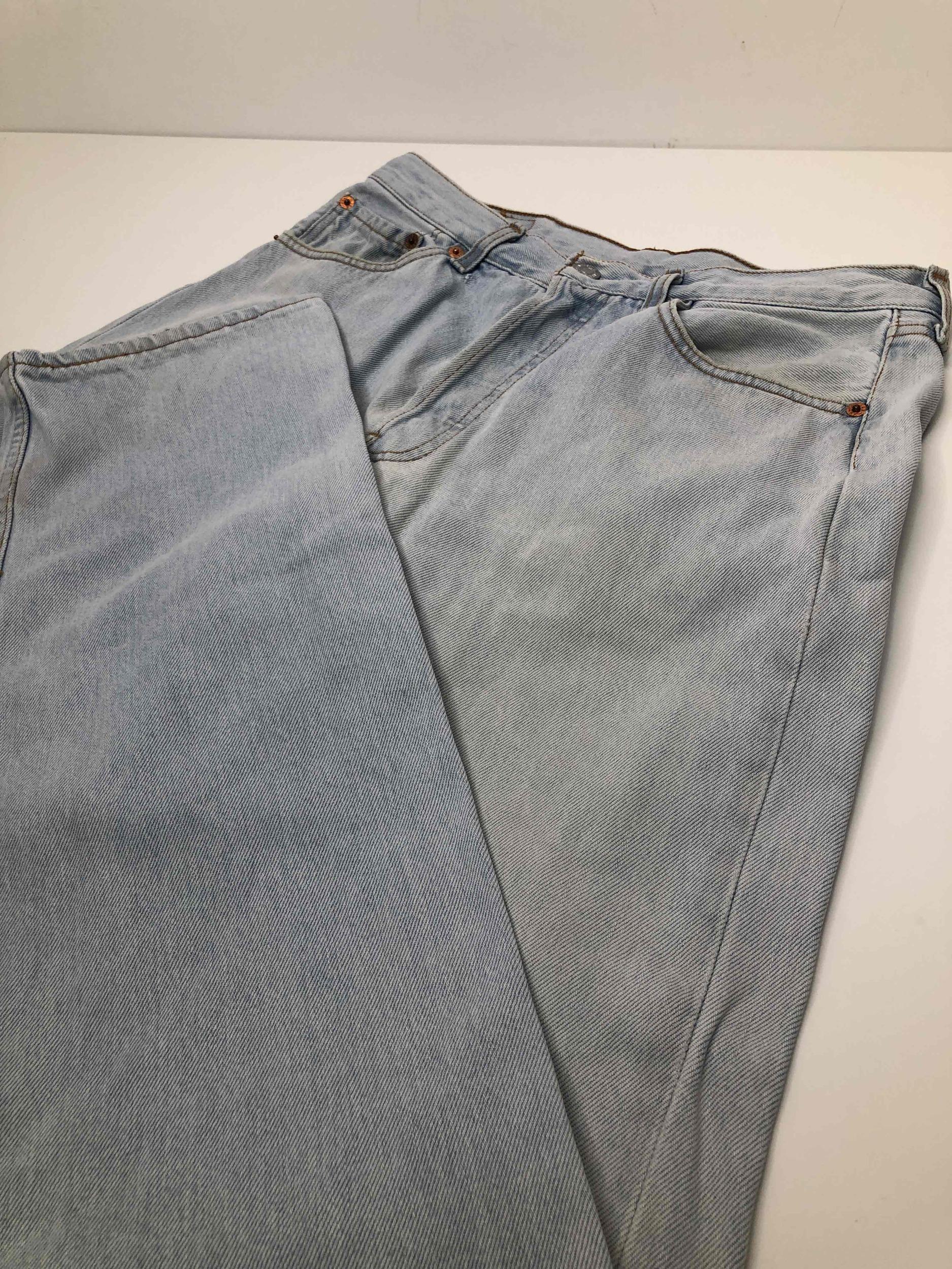 Jean Levi's 501 W33L36