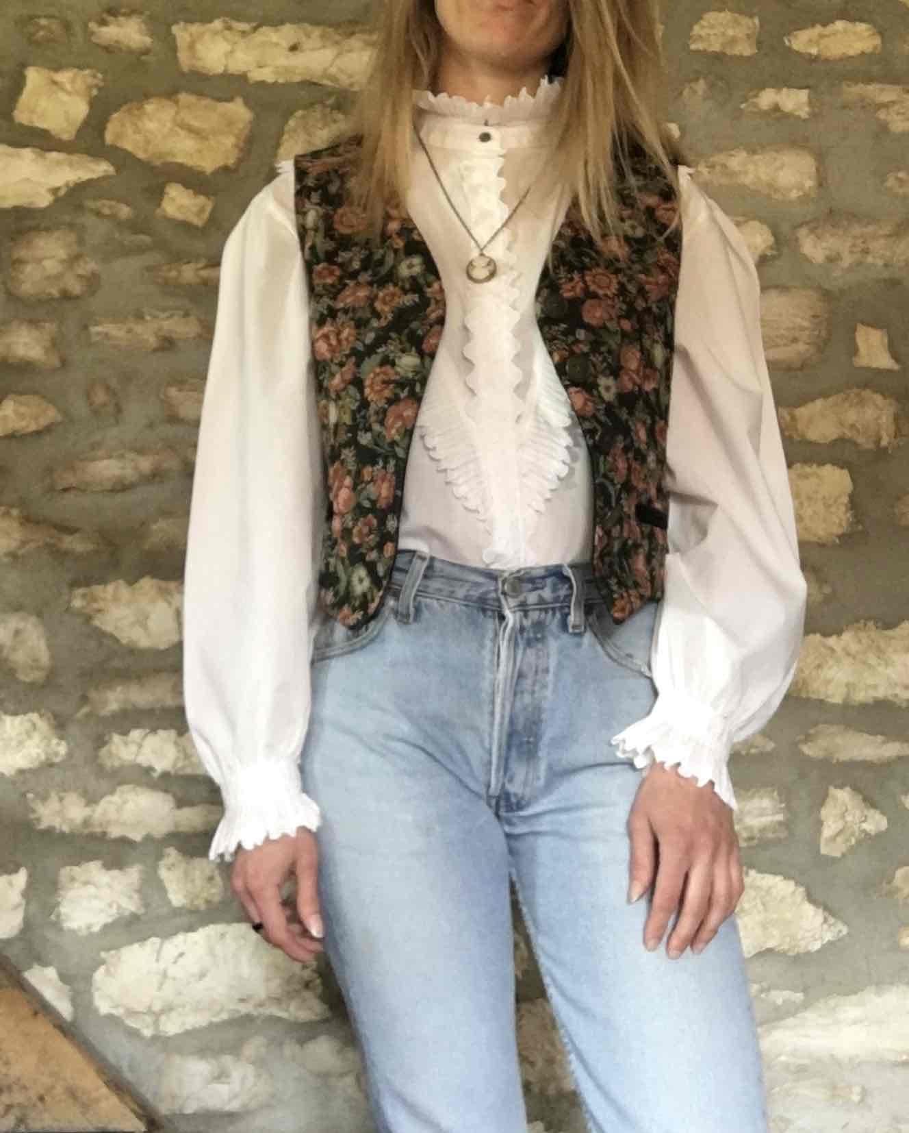 Gilet autrichien à fleurs