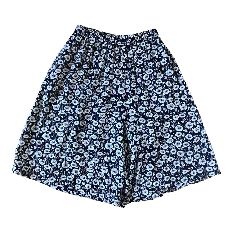 Jupe short à fleurs