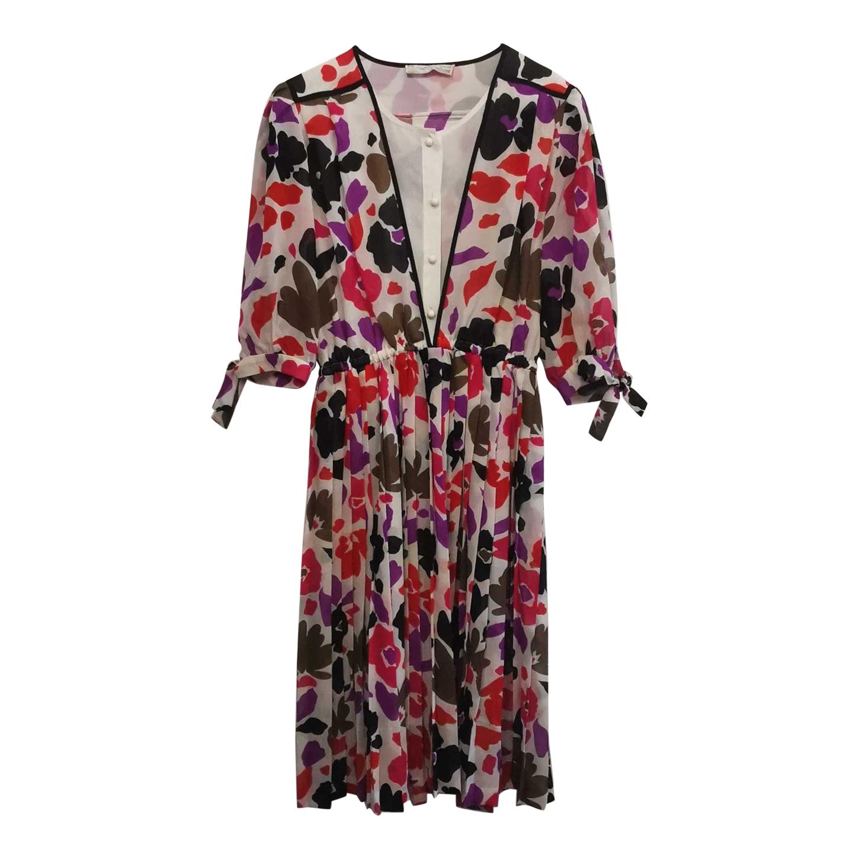 Robe à fleurs plissée
