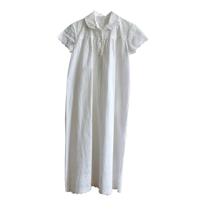 Robe longue en coton brodé