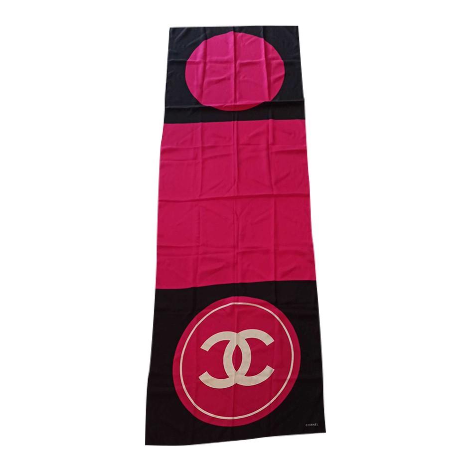 Foulard en soie Chanel