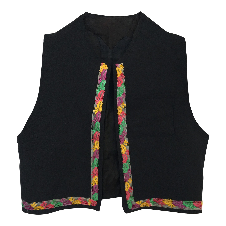 Gilet noir et multicolore