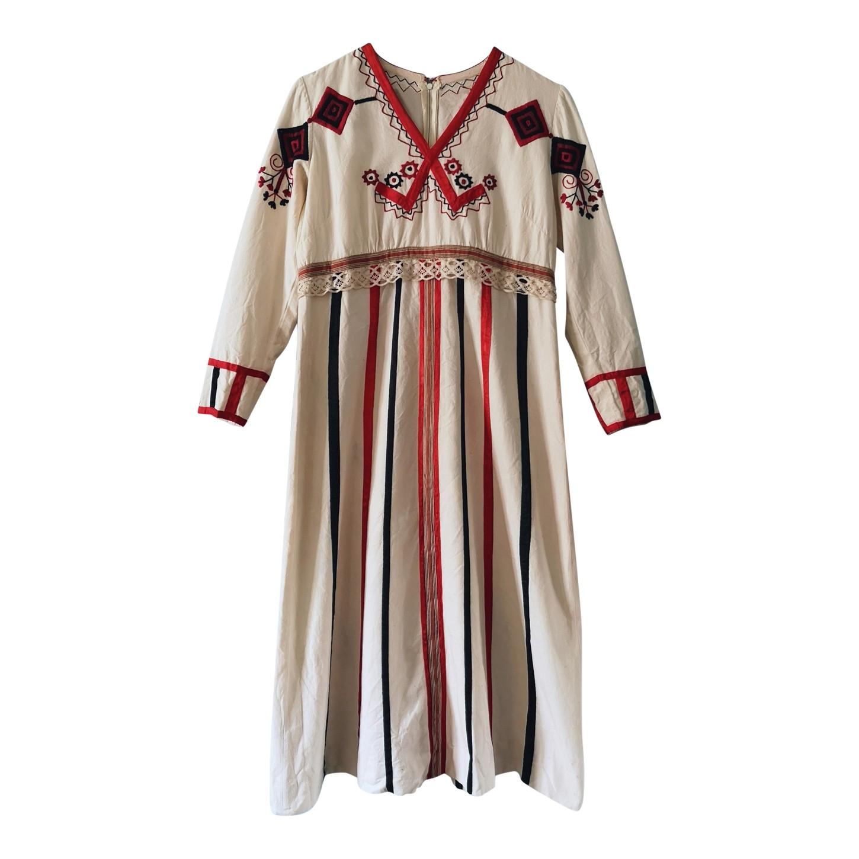 Robe brodée 70s