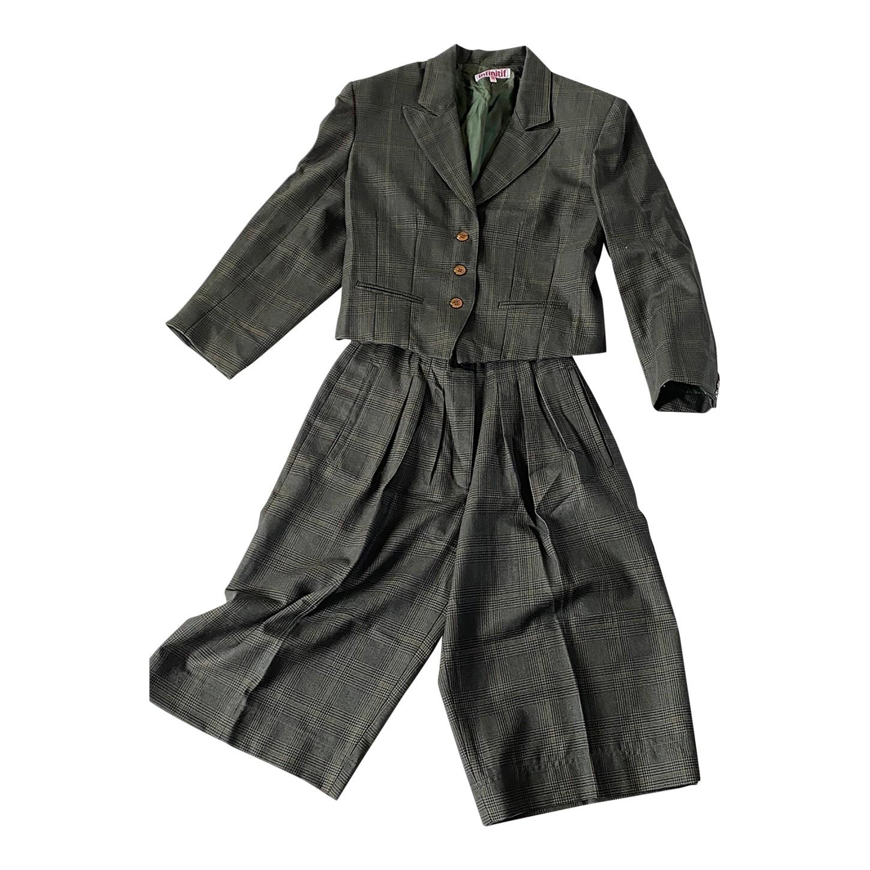 Tailleur jupe-culotte en laine