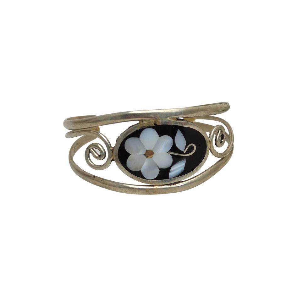 Bracelet en métal et nacre