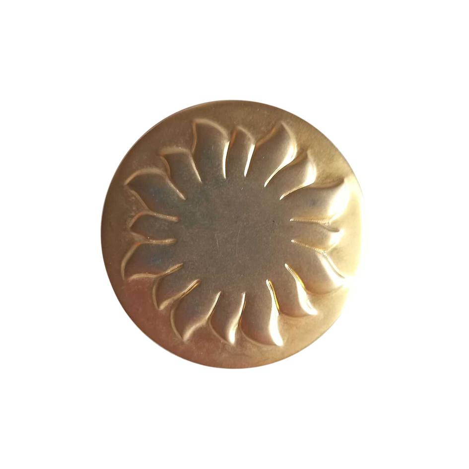 Broche dorée