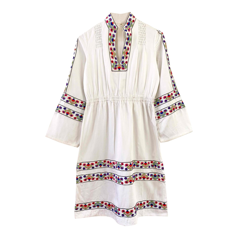 Robe hongroise brodée