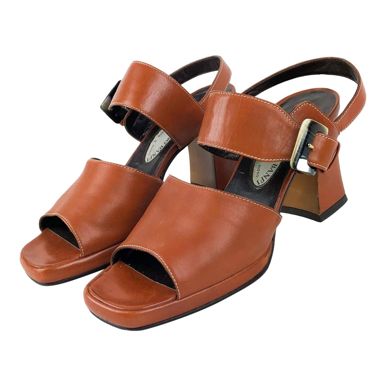 Sandales à talons en cuir