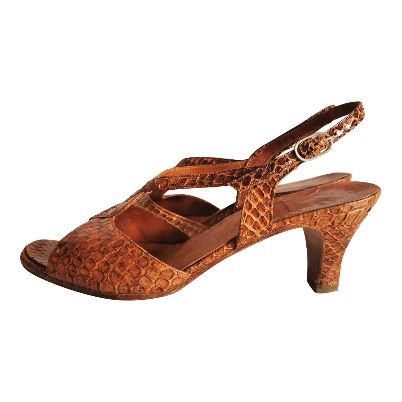 Sandales en cuir exotique