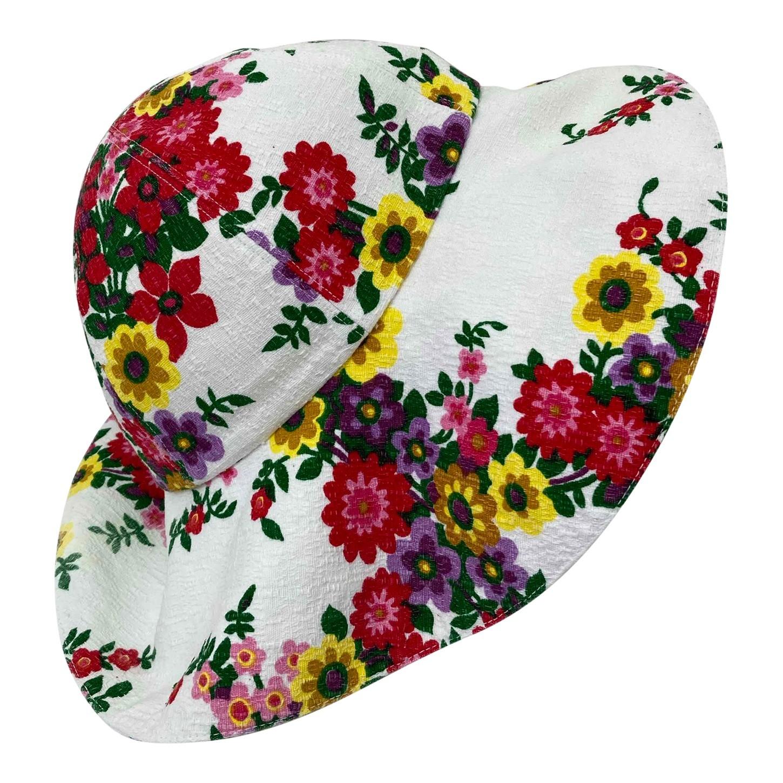 Chapeau à fleurs