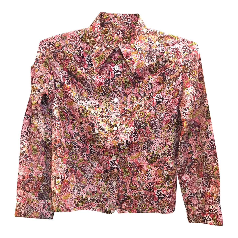 Chemise cintrée à petits motifs roses
