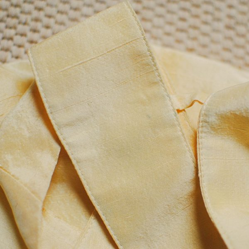 Top en soie jaune Emmanuelle Khanh