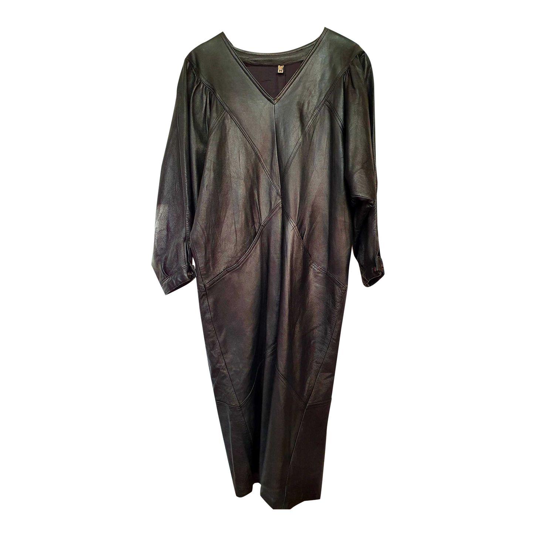 Robe en cuir