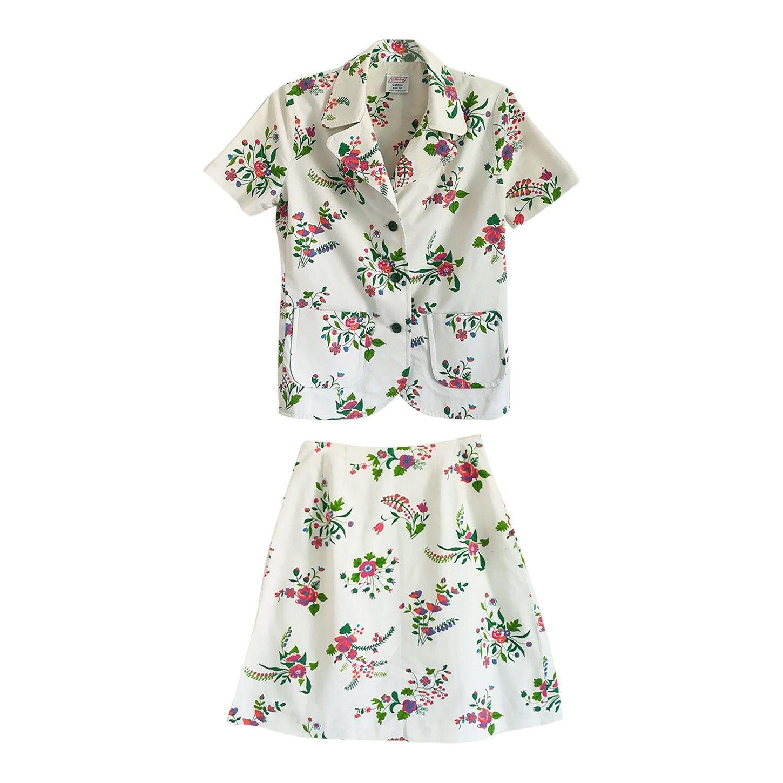 Tailleur jupe à fleurs