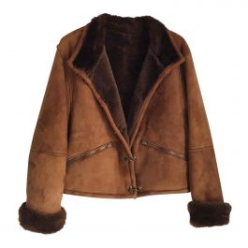Coat in shearling coat